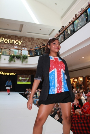 2010 fashion show at Galleria Mall
