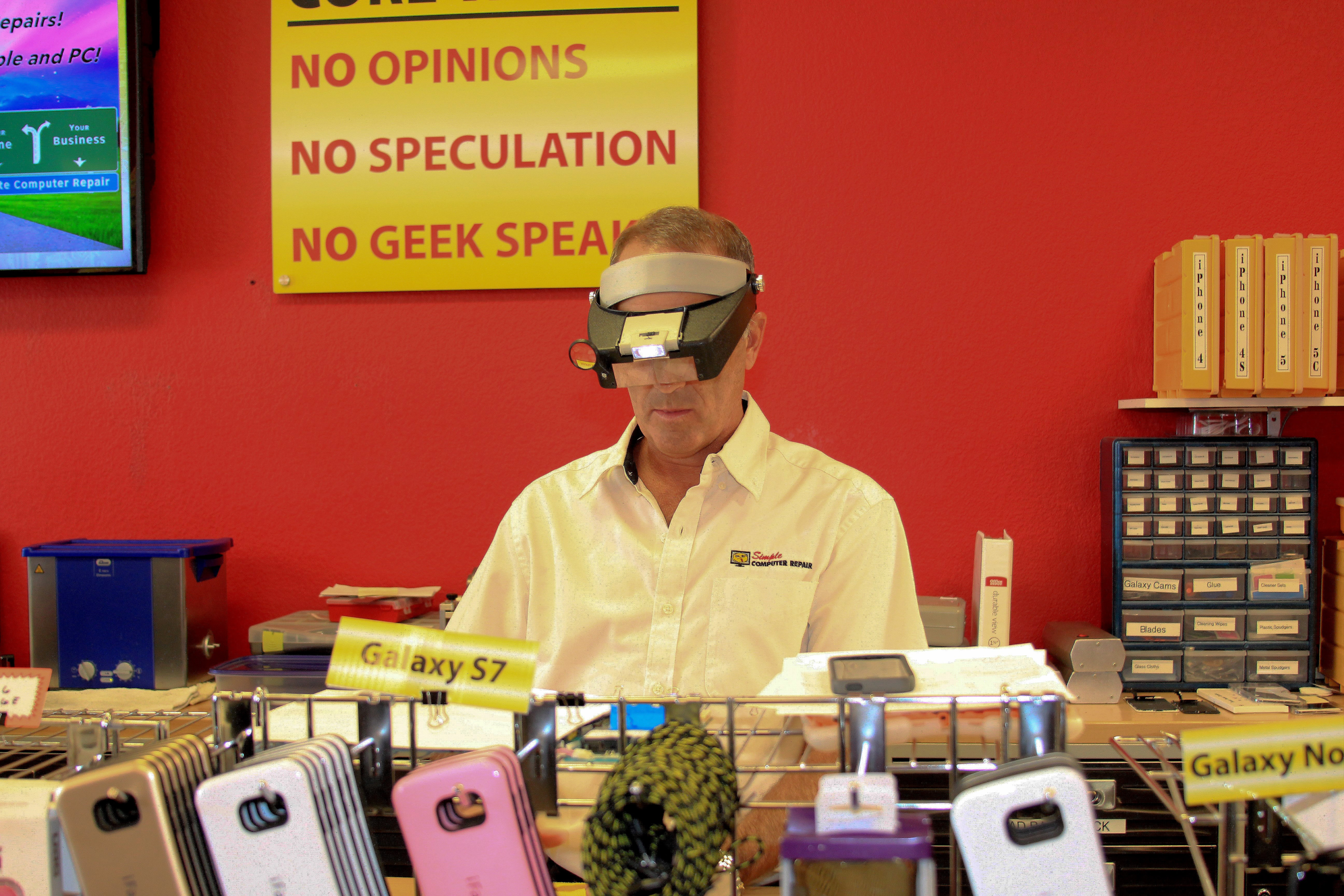 Eric during his visit to the Henderson, Nevada SCR store
